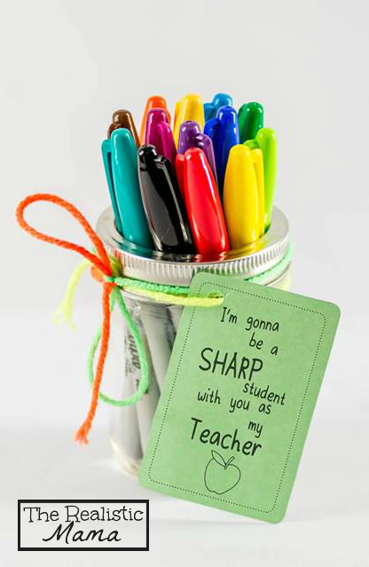 Sharpie Back to School Teacher Gift with FREE PRINTABLE. {Perfect for teachers and homeschooling moms!} #SharpieBTS #PMedia #ad