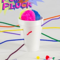 Pom-Pom Pluck! Pom-poms, pipe cleaners and a styrofoam cup - the kids will LOVE this!