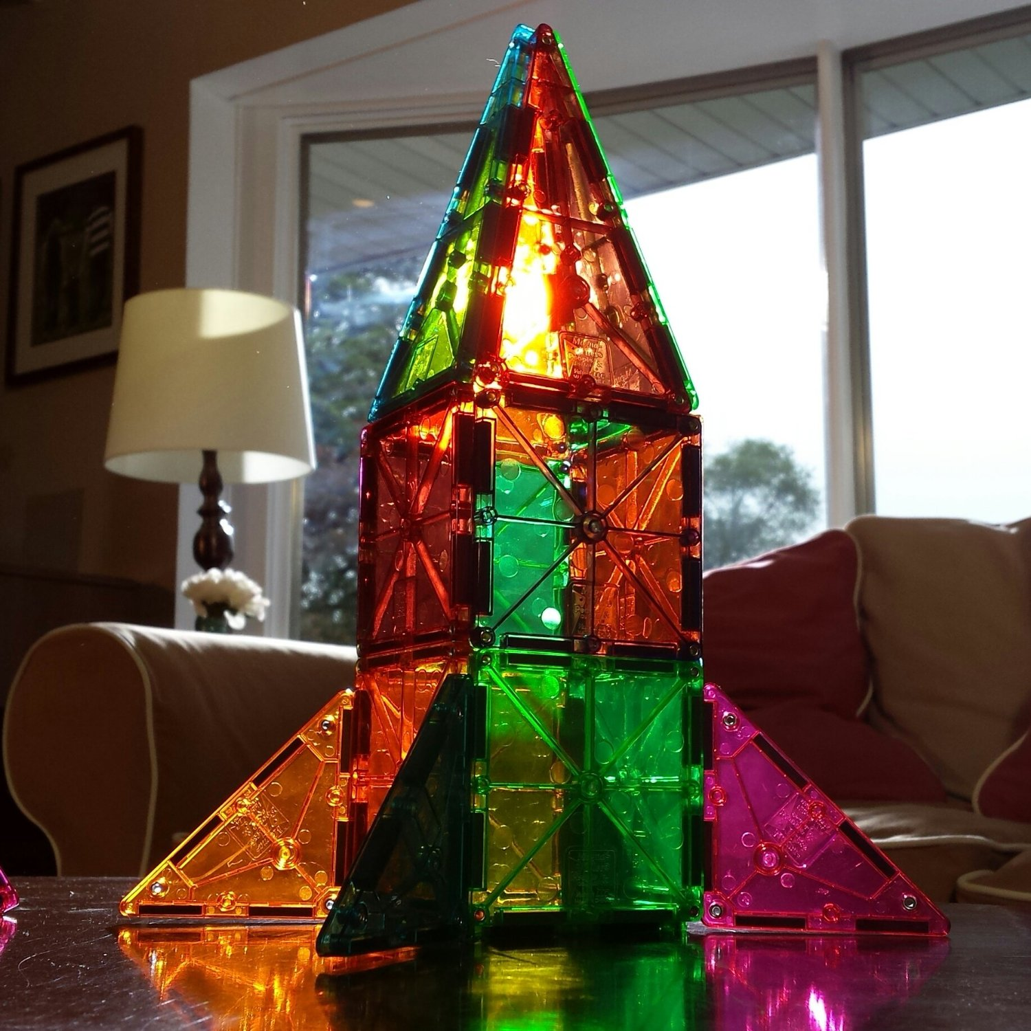 Building with Magna-Tiles