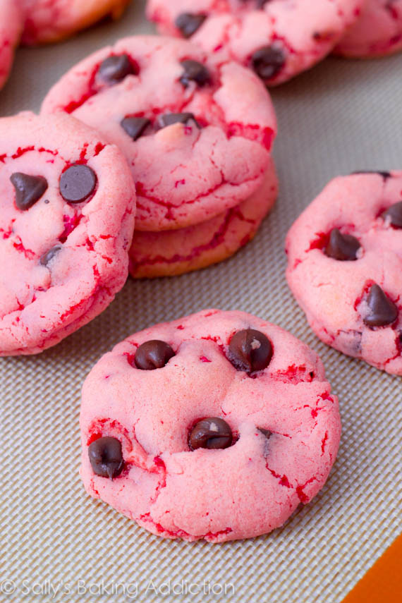 Strawberry-Chocolate-Chip-Cookies-3