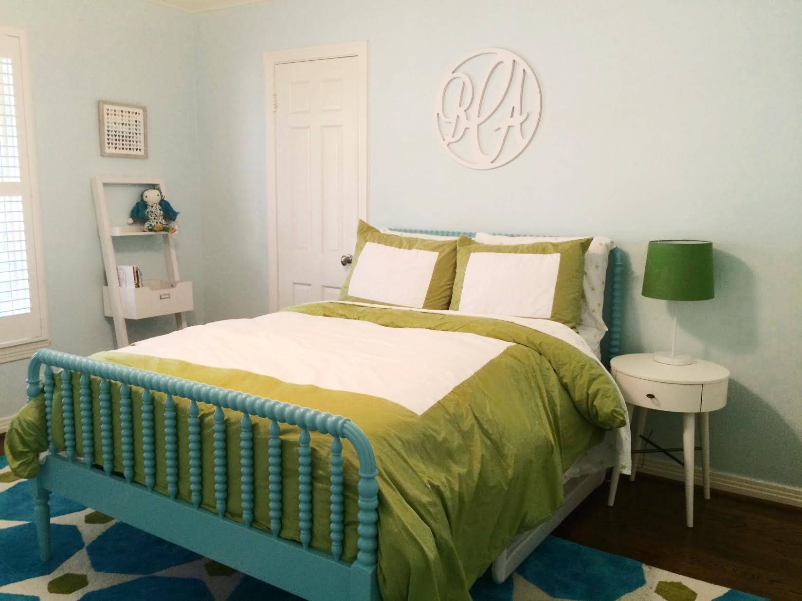 Fun & Bold Colors for a Kid's Room