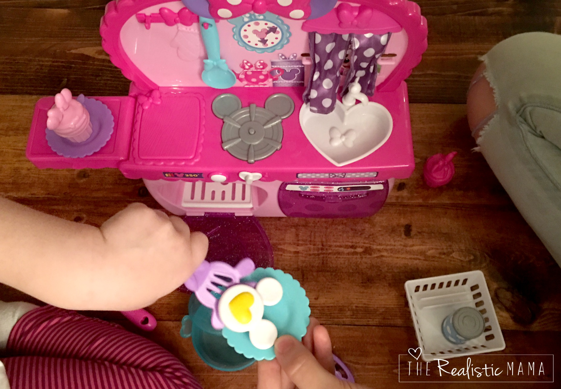 Playing with Disney Minnie Bowtastic Kitchen Playset